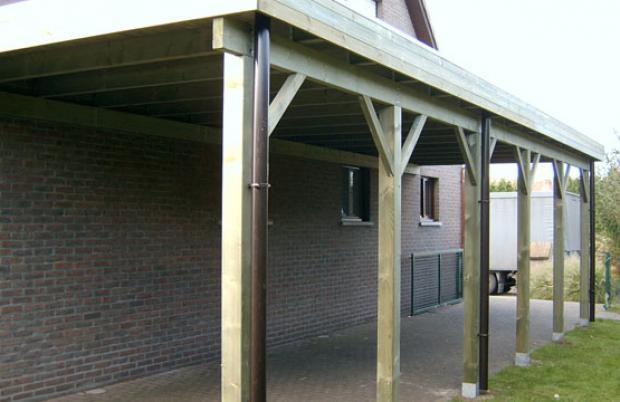 Aangebouwde carport